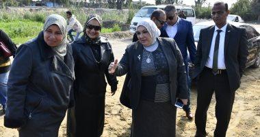 صور.. رئيس جامعة قناة السويس تفتتح أعمال التجديد بمدرسة الفصل الواحد بالكيلو 12