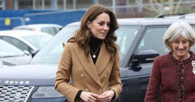 كيت ميدلتون تواصل نشاطها الخيرى مرتدية معطف جملى سعره 350 جنيه استرلينى