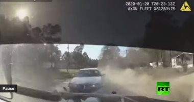 متحاولش الهرب.. مطاردة من الشرطة على الطريق السريع