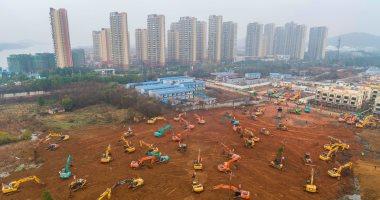 """""""ووهان"""" الصينية تبني مستشفى بغرف عزل خلال 6 أيام فقط لاحتواء كورونا"""