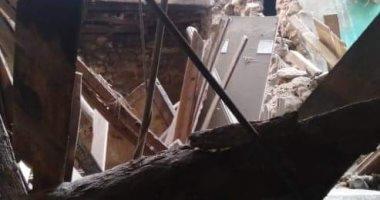 انهيار عقار وسط الإسكندرية.. والنيابة تشكل لجنة هندسية