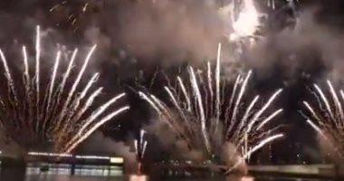 شاهد.. سماء أبو ظبى تتزين بالألعاب النارية احتفالا برأس السنة الصينية