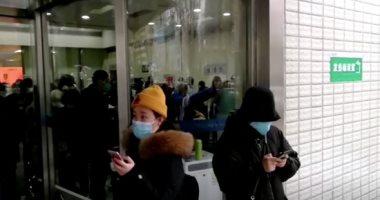 صور.. الصين توقف النقل العام وتغلق معابد مع ارتفاع ضحايا فيروس كورونا الجديد