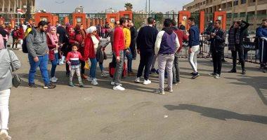 """صور.. توافد المواطنين للمشاركة فى احتفالية """"شعب واحد"""" باستاد القاهرة"""