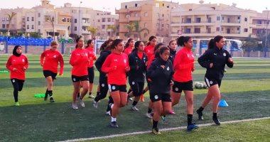 منتخب الكرة النسائية يواصل تدريباته استعدادا لمواجهة المغرب