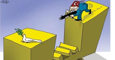 كاريكاتير صحيفة إماراتية.. أردوغان يقتل السلام فى ليبيا
