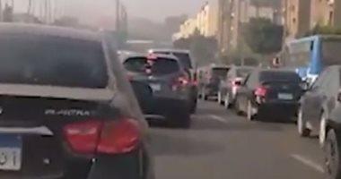 فيديو.. كثافات مرورية بطريق النصر اتجاه مدينة نصر إلى المقطم