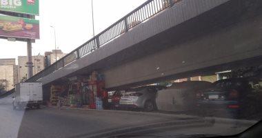 شكوى من كشك أسفل نزلة كوبرى أكتوبر فى شارع رمسيس اتجاه العباسية يعطل المرور