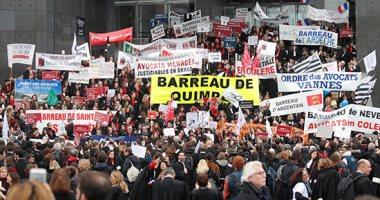 تجدد مظاهرات معارضى إصلاح قانون المعاشات فى فرنسا وتعطل قطارات السكة الحديد