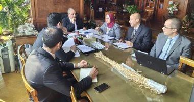 وزير الرى يبحث مع مهندسى قطاع مياه النيل مشروعات التعاون مع دول حوض النيل