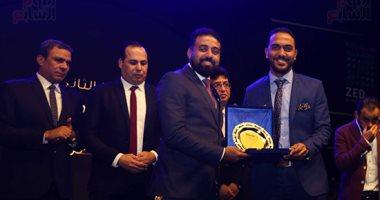 الزميلان محمد عراقي وياسمين يحيى يحصدان جائزة التفوق من رابطة النقاد