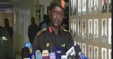 كان يتردد على القصر الجمهورى.. القبض على أخطر منتحل لصفة ضابط بالجيش السودانى