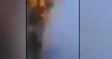 لحظة مقتل أحد المحتجين العراقيين فى مواجهات مع الأمن بمحافظة النجف.. فيديو