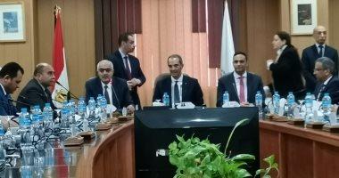 وزير الاتصالات يعلن طرح ثلاث حزم من خدمات التحول الرقمى نهاية الربع الأول من 2020