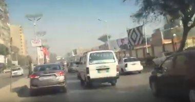 تباطؤ حركة السيارات بشارع السودان اتجاه ميدان لبنان بسبب أعمال اصلاحات