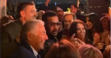 """محمد رمضان ومصطفى فهمى يرقصان على أغنية """"نمبر وان"""".. فيديو"""