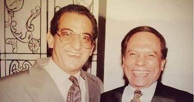 الزعيم عادل أمام يشارك جمهوره بصورة من دولاب الذكريات مع الراحل أحمد راتب