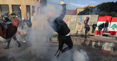كر وفر بين الشرطة والمتظاهرين أمام مقر البرلمان اللبنانى