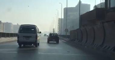 فيديو.. انسياب حركة السيارات بمحور صفط اللبن اتجاه جامعة القاهرة