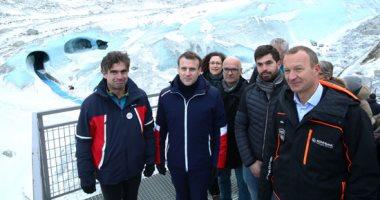إيمانويل ماكرون فى زيارة لأكبر نهر جليدى بفرنسا