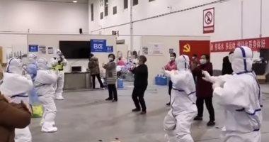 الرقص فى مواجهة كورونا.. هكذا يواجه الصينيون الفيروس القاتل (فيديو)