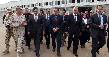 فيديو.. رئيس الوزراء يتفقد المنطقة الاستثمارية ببنها