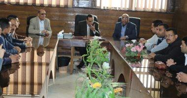 صور.. محافظ شمال سيناء يلتقى مدربى برنامج مشوارى