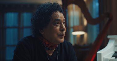محمد منير: غنيت بعد وفاة أمى بـ4 ساعات والفرحة مبتجيش إلا بالغناء