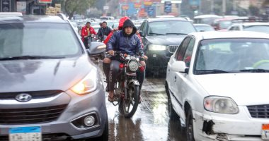 """""""المرور"""" تضع عدة إرشادات للقيادة أثناء سقوط الأمطار بعد توقعات الأرصاد"""