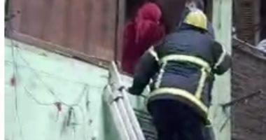 استخراج 4 أشخاص أنهار عليهم منزل بمنطقة السيدة زينب
