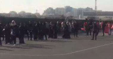جماهير الأهلى تتوافد على ستاد محمد بن زايد لحضور مباراة السوبر.. فيديو