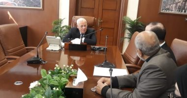 """محافظ بورسعيد: أولويات برنامج """"مشروعك"""" هو دعم وتشغيل الشباب"""