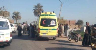 صورة إصابة 21 شخصا فى حادث انقلاب سيارة نصف نقل بترعة فى كفر الشيخ