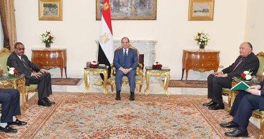 السيسي لمبعوث رئيس وزراء إثيوبيا: مصر ملتزمة بمبادئ الاحترام المتبادل وعدم التدخل في الشئون الداخلية
