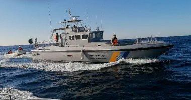 حرس الحدود بالمدينة المنورة ينقذ مواطنين ومقيماً تعطل قاربهم فى عرض البحر