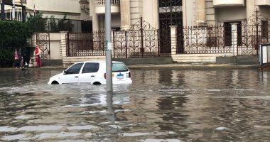 محافظ الجيزة يؤجل الدراسة غدا بجميع مدارس المحافظة بسبب الأمطار