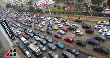 فيديو.. زحام مرورى أعلى كوبرى أكتوبر من التحرير حتى رمسيس بسبب الأمطار