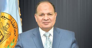 محافظ أسيوط: التعدى على أراضى الدولة سرقة لحقوق الشعب المصرى
