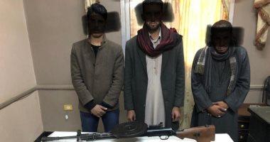 الأمن العام يداهم بؤرا إجرامية بأسيوط ويضبط سلاح و70 هارب من أحكام