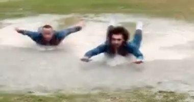 شاهد ماذا فعلت الأمطار بملعب تدريب المقاولون؟