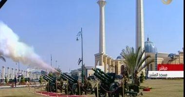 فيديو.. لحظة إطلاق الطلقات المدفعية فى الجنازة العسكرية لحسنى مبارك