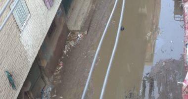 قارئ يطالب برصف طريق حولته الأمطار لبركة بشارع خالد ابن الوليد بالقليوبية