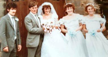 """زوجان يعثران على فيديوهات وصور زفافهما على """"فيس بوك"""" بعد 35 عاما من ضياعها"""