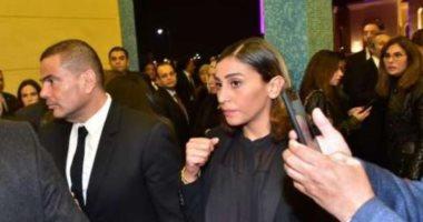 عمرو دياب ودينا الشربينى وحسن شحاتة يشاركون فى عزاء مبارك