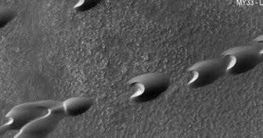 شاهد.. علماء الفلك يكشفون صور متحركة للكثبان الرملية على المريخ
