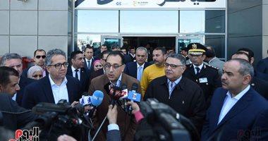 رئيس الوزراء يتفقد الحجر الصحى بمطار الغردقة.. ويؤكد: مصر خالية من الكورونا