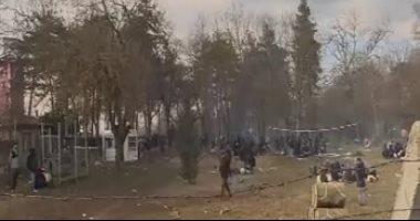 """اليونان: نواجه تهديدا """"خطيرا"""" بسبب تجمع المهاجرين على الحدود"""