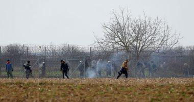 اشتباكات بين المهاجرين والقوات اليونانية على الحدود التركية