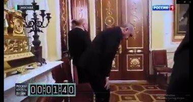 """شاهد الفرق بين استقبال بوتين المهين لـ""""أردوغان"""" وترحيبه بـ""""الأسد"""""""