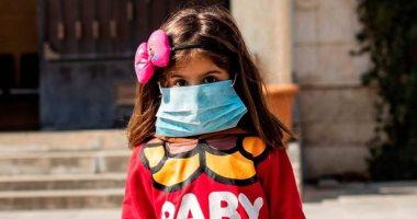 أعراض لفيروس كورونا يجب البحث عنها عند الأطفال وفقًا لتطبيق كوفيد البريطانى
